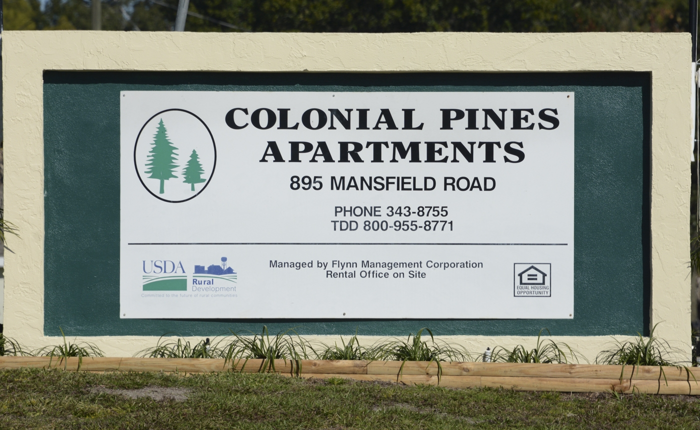 Colonial_Pines_01